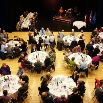 Ville de Torcy 71 - Un repas convivial et festif pour nos anciens !